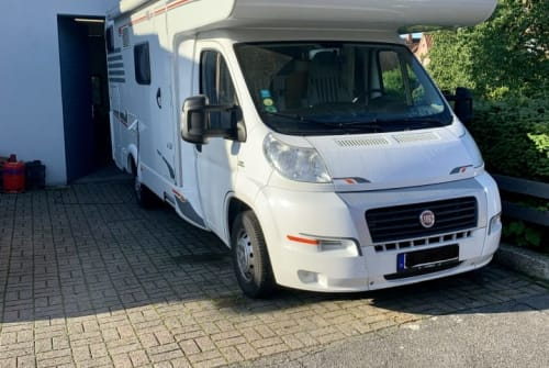 Hire a motorhome in Kleve from private owners  Carado Mario