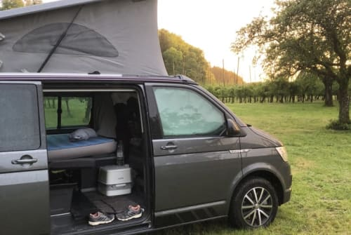 Hire a motorhome in Zell am Harmersbach from private owners| VW Bulli