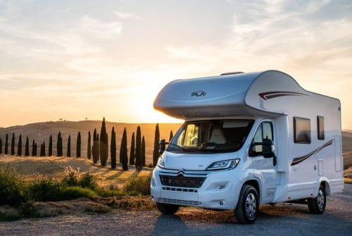 Hire a motorhome in Graz from private owners| PLA Quasimodo