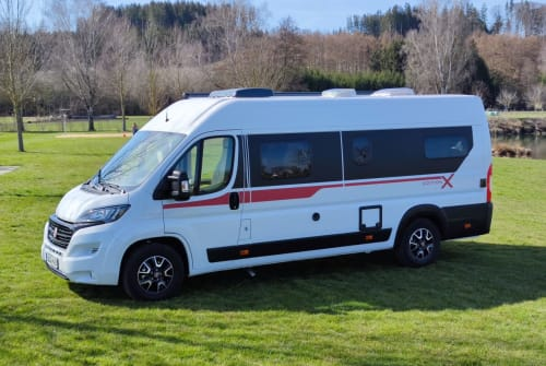 Hire a motorhome in Wertingen from private owners  Pilot Roadrunner