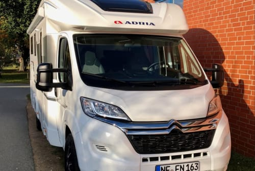 Hire a motorhome in Bredstedt from private owners| ADRIA Fridolin II