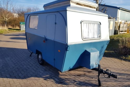 Hire a motorhome in Wismar from private owners| Großfahner  Friedel
