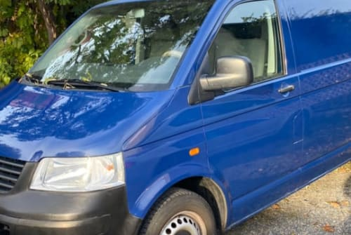 Hire a motorhome in Großenhain from private owners  Volkswagen  Basic Camper