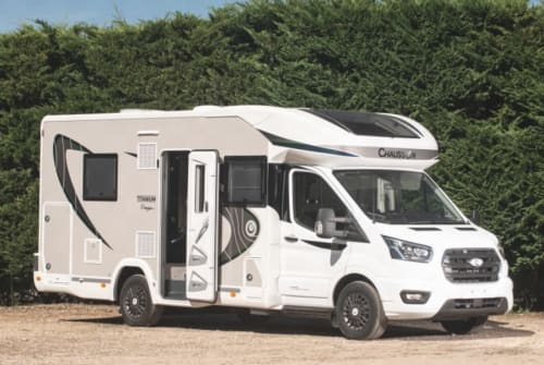Hire a motorhome in Kornwestheim from private owners| Chausson Sunny