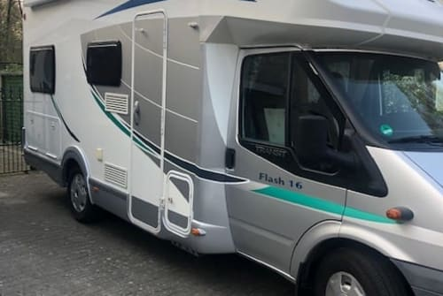 Hire a motorhome in Bilthoven from private owners  chausson Sunflower