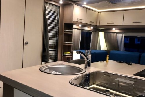 Hire a motorhome in Mamming from private owners| Knaus Lifestyle