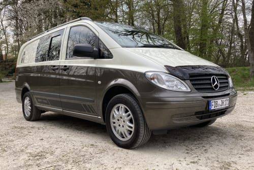 Hire a motorhome in Eurasburg from private owners  Mercedes JOY and SUN II