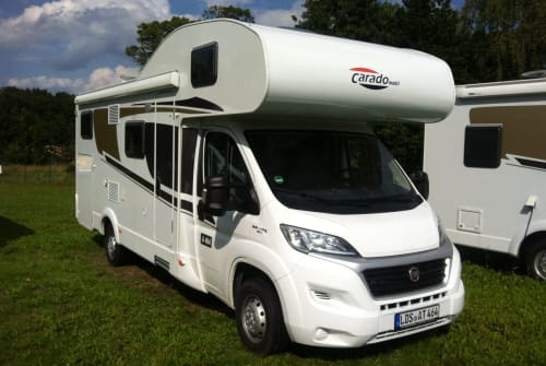 Hire a motorhome in Erfurt from private owners  Fiat Carado A464 Holiday