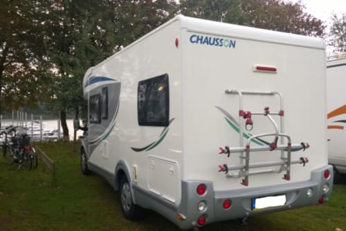 Hire a motorhome in Berlin from private owners| Chausson Flash 14