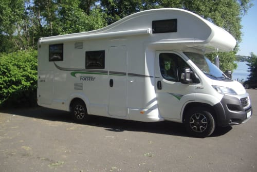 Hire a motorhome in Niederkassel from private owners| Forster Forster one