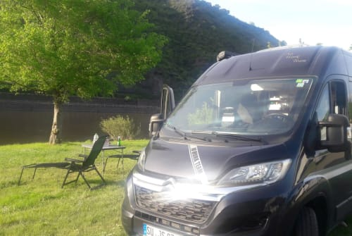 Hire a motorhome in Köln from private owners| Clever Van No work