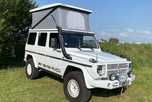 Hire a motorhome in Floh-Seligenthal from private owners| Mercedes Benz Mr. Spot the G