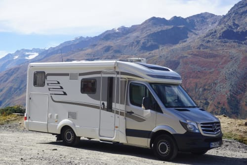 Hire a motorhome in München from private owners| Mercedes Benz (Sprinter) 'Dr. Feelgood'