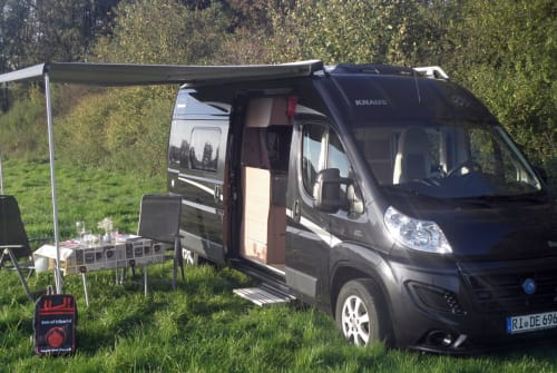 Hire a motorhome in Bückeburg from private owners| Knaus auf Ducatobasis Klitschko