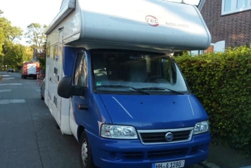 Hire a motorhome in Hamburg from private owners| Fiat Ducato Frida