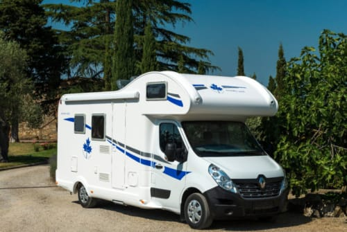 Hire a motorhome in Jüchen from private owners| Ahorn  A-Hörnchen
