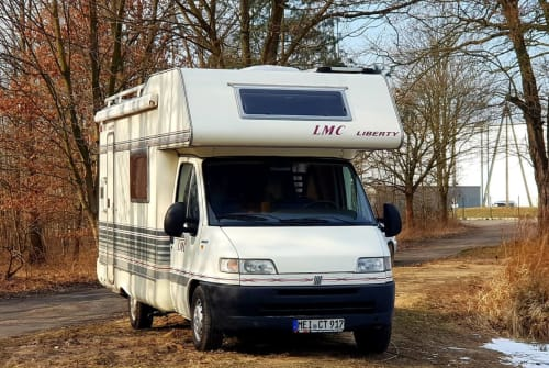 Hire a motorhome in Klipphausen from private owners| LMC Brant-günstig