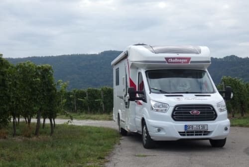 Hire a motorhome in Senftenberg from private owners  Challenger Murckel