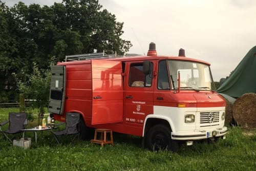 Hire a motorhome in Berlin from private owners| Mercedes-Benz Egon
