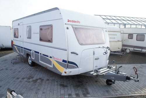Hire a motorhome in Berlin from private owners| Dethleffs Hubert