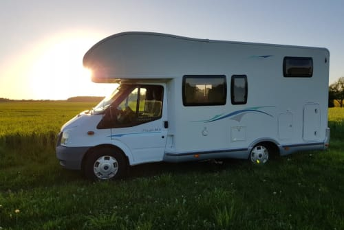 Hire a motorhome in Sonnenberg from private owners| Chausson Chausson Flash