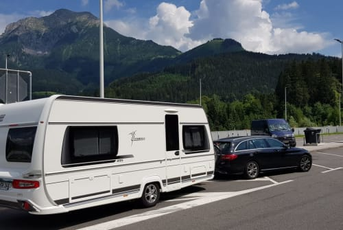 Hire a motorhome in Höchstadt from private owners| Fendt Tendenza