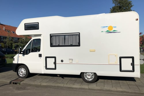 Hire a motorhome in Hilversum from private owners| Fiat Ducato 2.5TDI Hermes