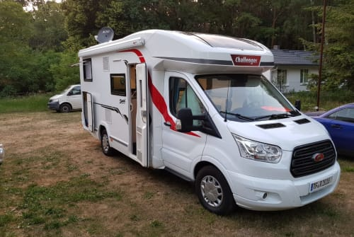 Hire a motorhome in Rangsdorf from private owners| Challenger  Challenger 287