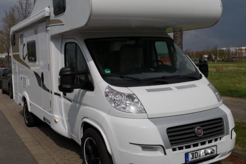 Hire a motorhome in Dresden from private owners  Carado Jack WoMo