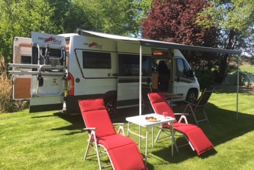 Hire a motorhome in Vroomshoop from private owners| Carthago Carthago telg