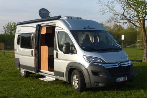 Hire a motorhome in Gersthofen from private owners| Pössl Ossi