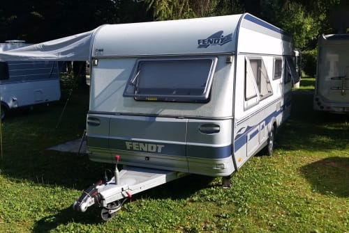 Hire a motorhome in Borchen from private owners| FENDT Lieblings-Fendt