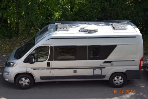 Hire a motorhome in Möglingen from private owners| Citroen Twin600