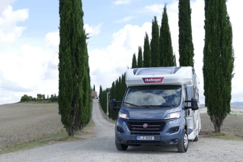 Hire a motorhome in Rangsdorf from private owners| Challenger  Mageo Cruise