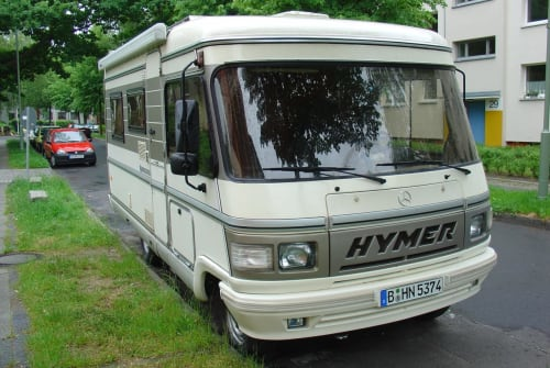 Hire a motorhome in Berlin from private owners| Hymer Hymi