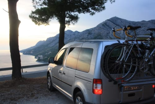Hire a motorhome in Berlin from private owners| Volkswagen VW-Caddy-Camper