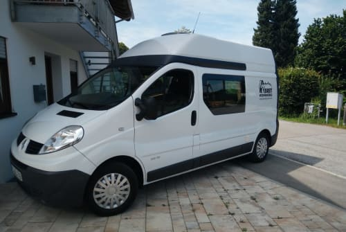 Hire a motorhome in Prien a. Chiemsee from private owners| Renault Mounty