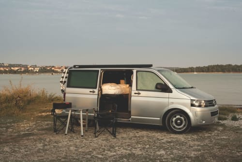Hire a motorhome in Wuppertal from private owners| VW VW T5 Multivan