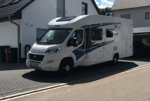 Hire a motorhome in Heilsbronn from private owners  Knaus Live Wave 700-1