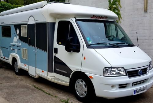 Hire a motorhome in Berlin from private owners| Fiat Ducato Berl.Reisebox