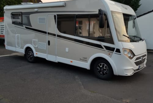 Hire a motorhome in Pulheim from private owners| Carado Mattes mit AHK