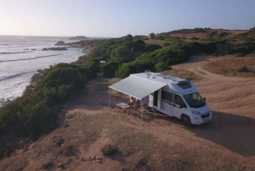 Hire a motorhome in Pulheim from private owners| Carado Hennes