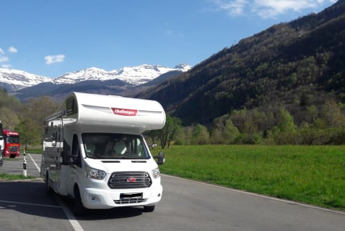 Hire a motorhome in Bad Honnef from private owners| Challanger Idefix