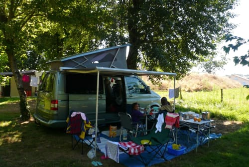Hire a motorhome in Freudenberg from private owners| VW California Comfortline Der grüne Bus