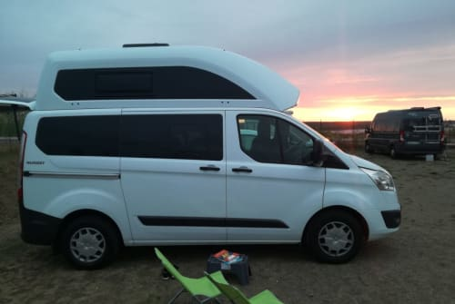 Hire a motorhome in Leipzig from private owners| Ford Seeperle