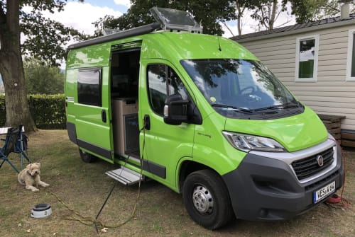 Hire a motorhome in Voerde (Niederrhein) from private owners| Roadcar Fröschli