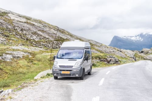 Hire a motorhome in Utrecht from private owners| Opel Silver Star