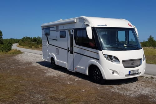 Hire a motorhome in Regensburg from private owners| EuraMobil Haru