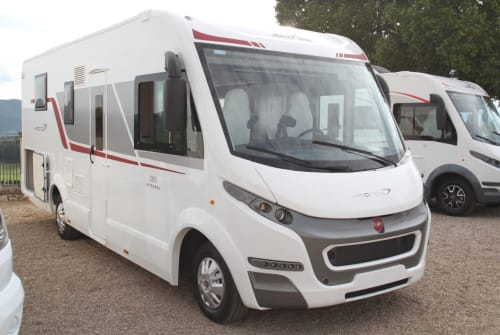Hire a motorhome in Mindelheim from private owners| Roller Team KRONOS