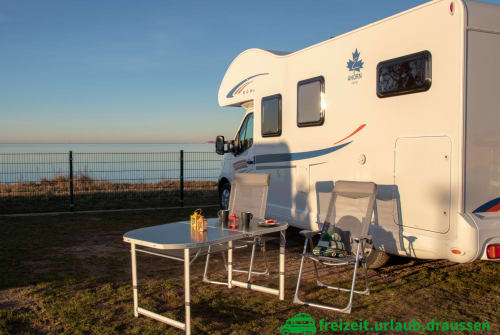 Hire a motorhome in Berlin from private owners| Ahorn C-Hörnchen